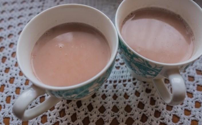Kashmiri chai – różowa herbata