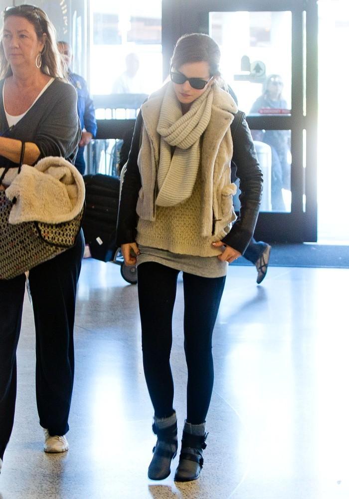 Emma Watson LAX Candids February 25 2013 Ewcoffeebreak