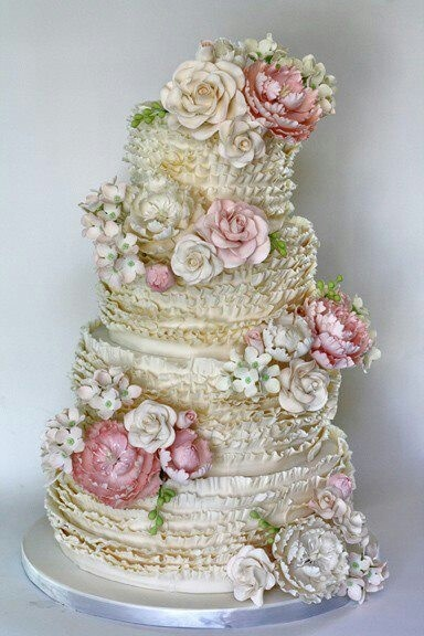 7 Unbelievable Wedding Cakes   eWedding 7 Unbelievable Wedding Cakes