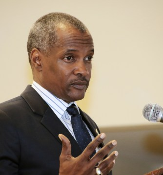 Bannister calls on employees to change perception of ministry