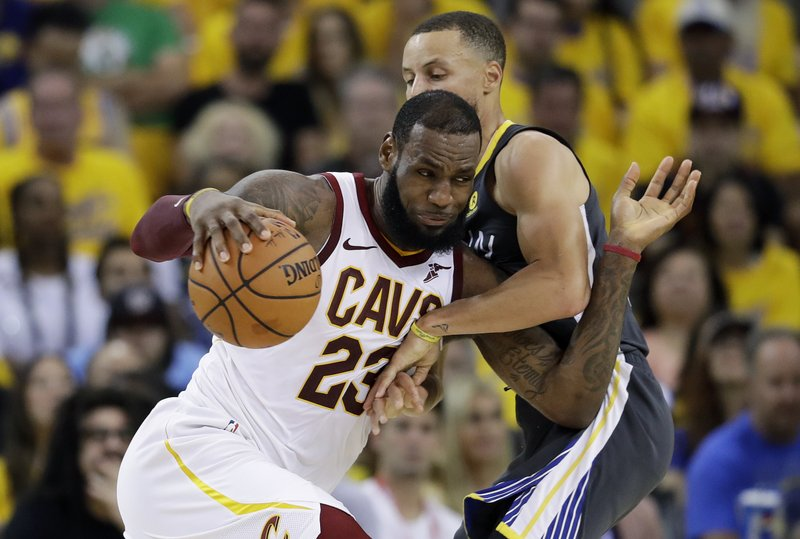 LA-Bron: James agrees to 4-year contract with Lakers