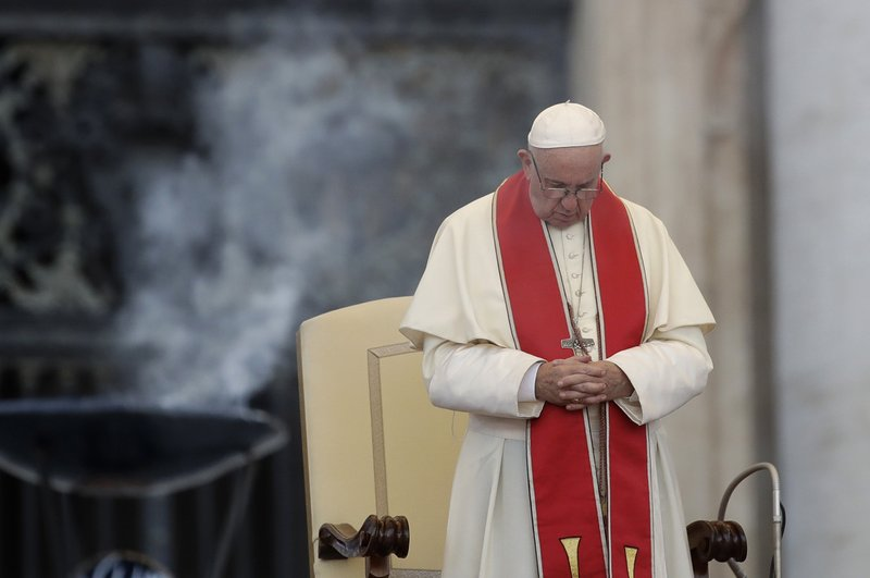 Pope seeks to abolish death penalty, changes church teaching