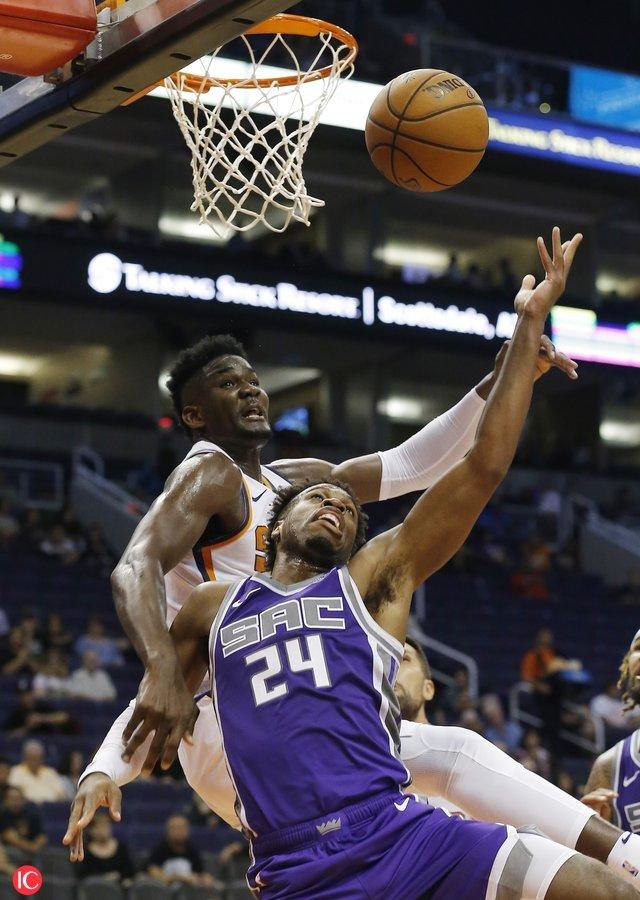 Hield wins first match against Ayton