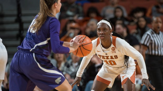 Higgs suffers knee injury in win over Quinnipiac
