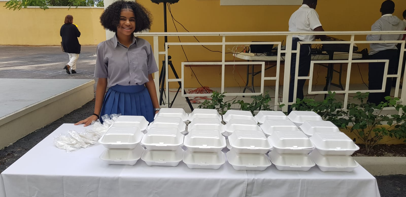 Teen provides breakfast for 45 students at Sandilands Primary