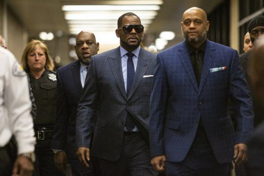 R. Kelly goes back to jail, takes risks with TV interview