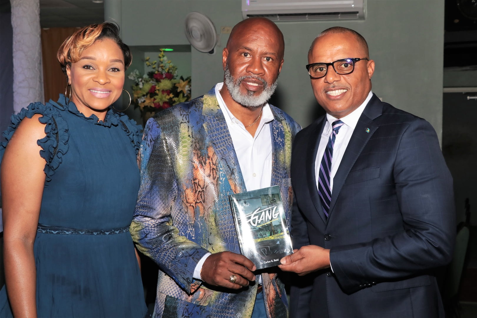 Dr. Carlos Reid launches new book on The Bahamas' gang culture