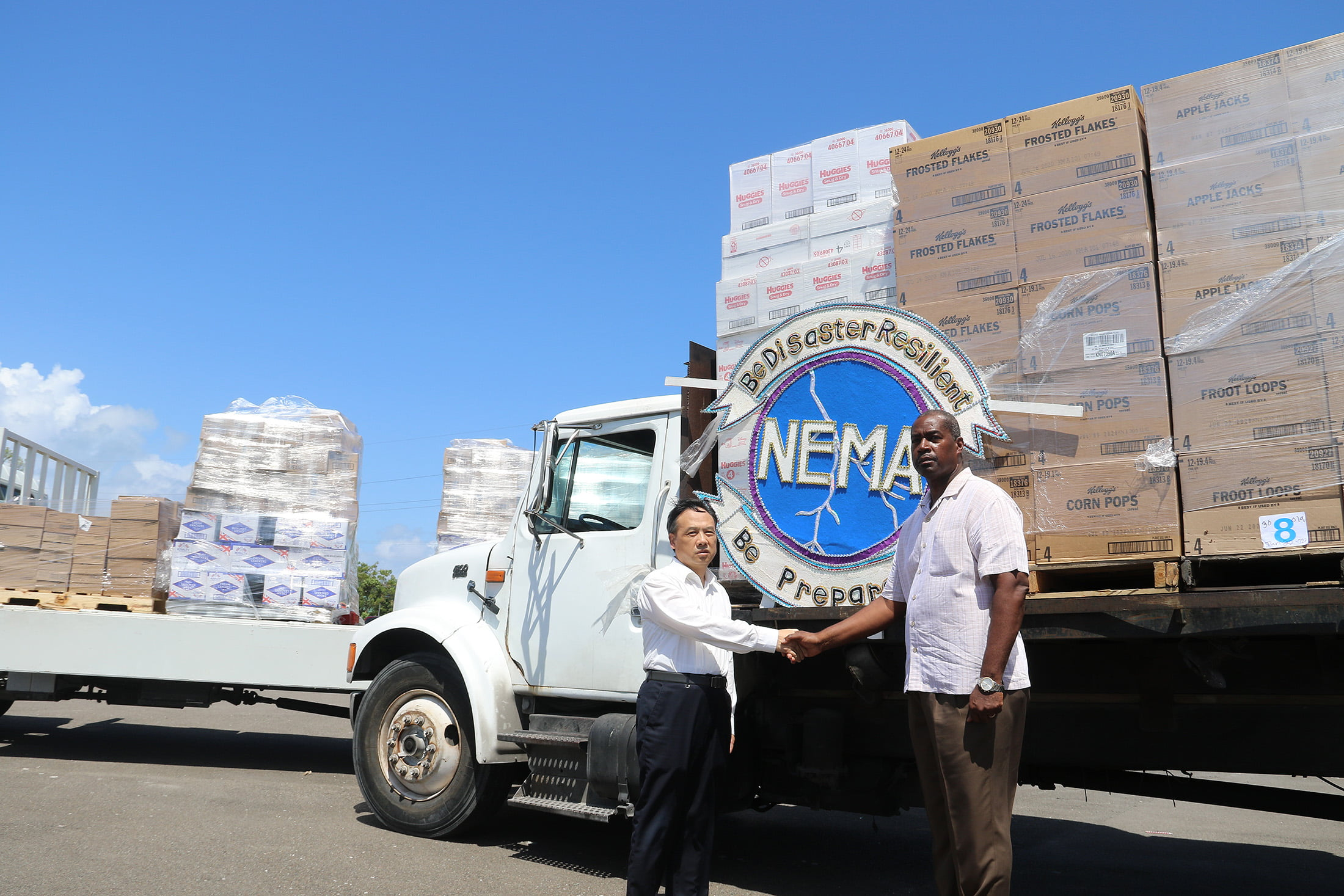 China's Ambassador Presents $20,000 in Goods for the Victims of Hurricane Dorian