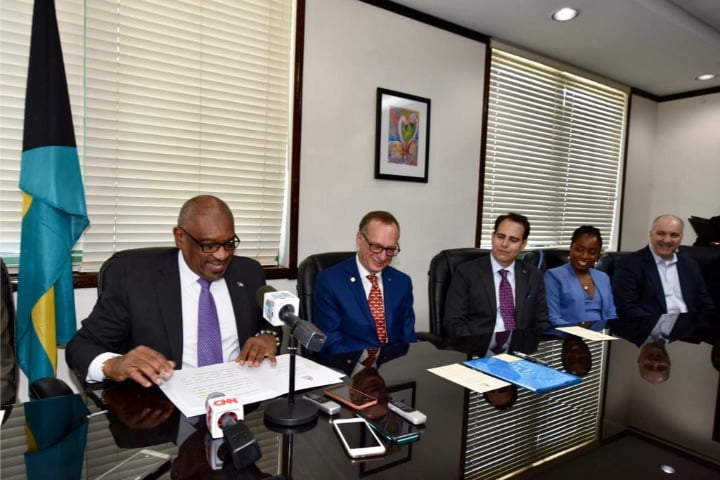Government signs two heads of agreements with Carnival Corporation