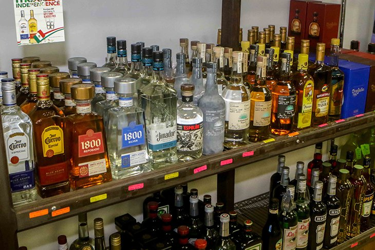 Liquor stores back in business