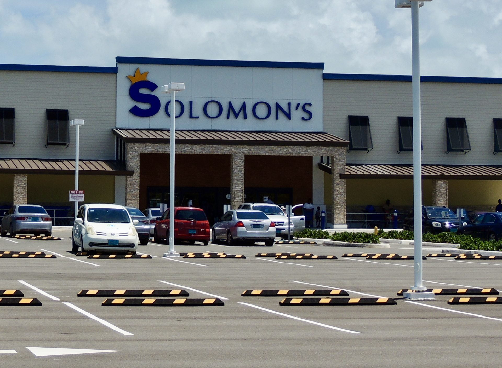 Solomon's Donates $50k to Essential Workers in Nassau and Grand Bahama