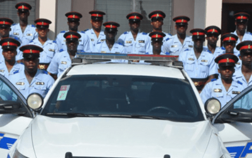 """More than 400 officers in Grand Bahama, """"prepared"""" for two-week lockdown"""