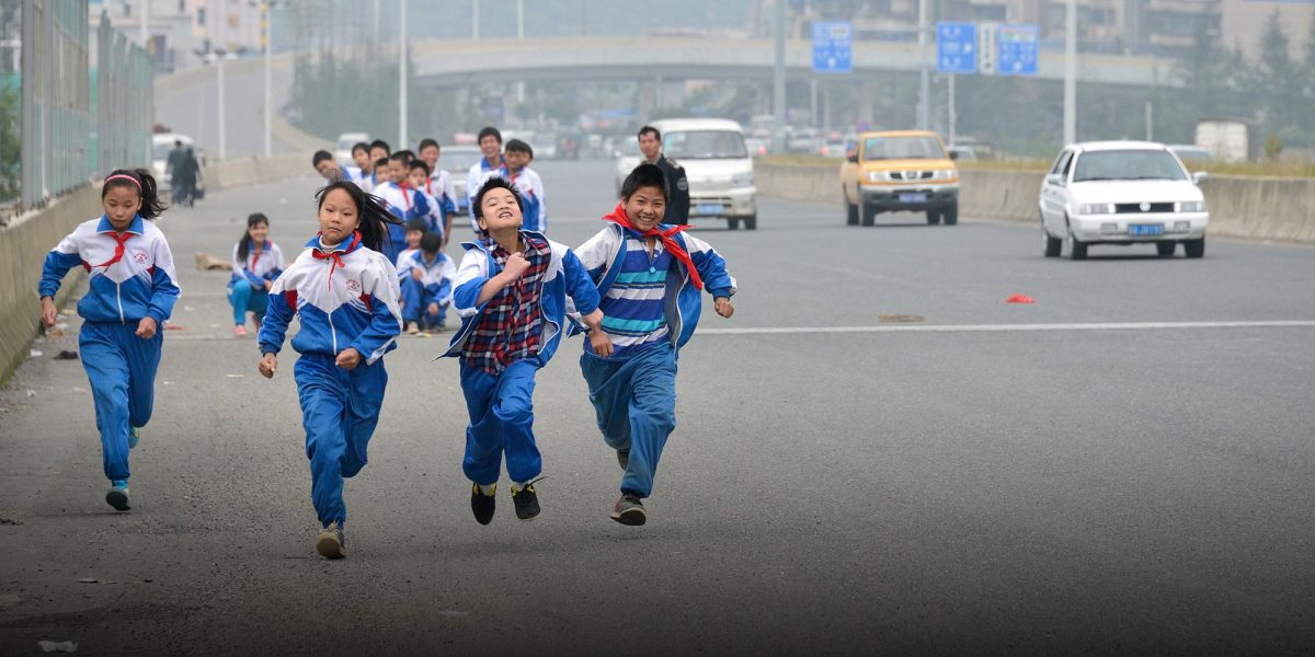 Chinese Schools introduce Smart Uniforms with GPS Chips to track Students during School Hours