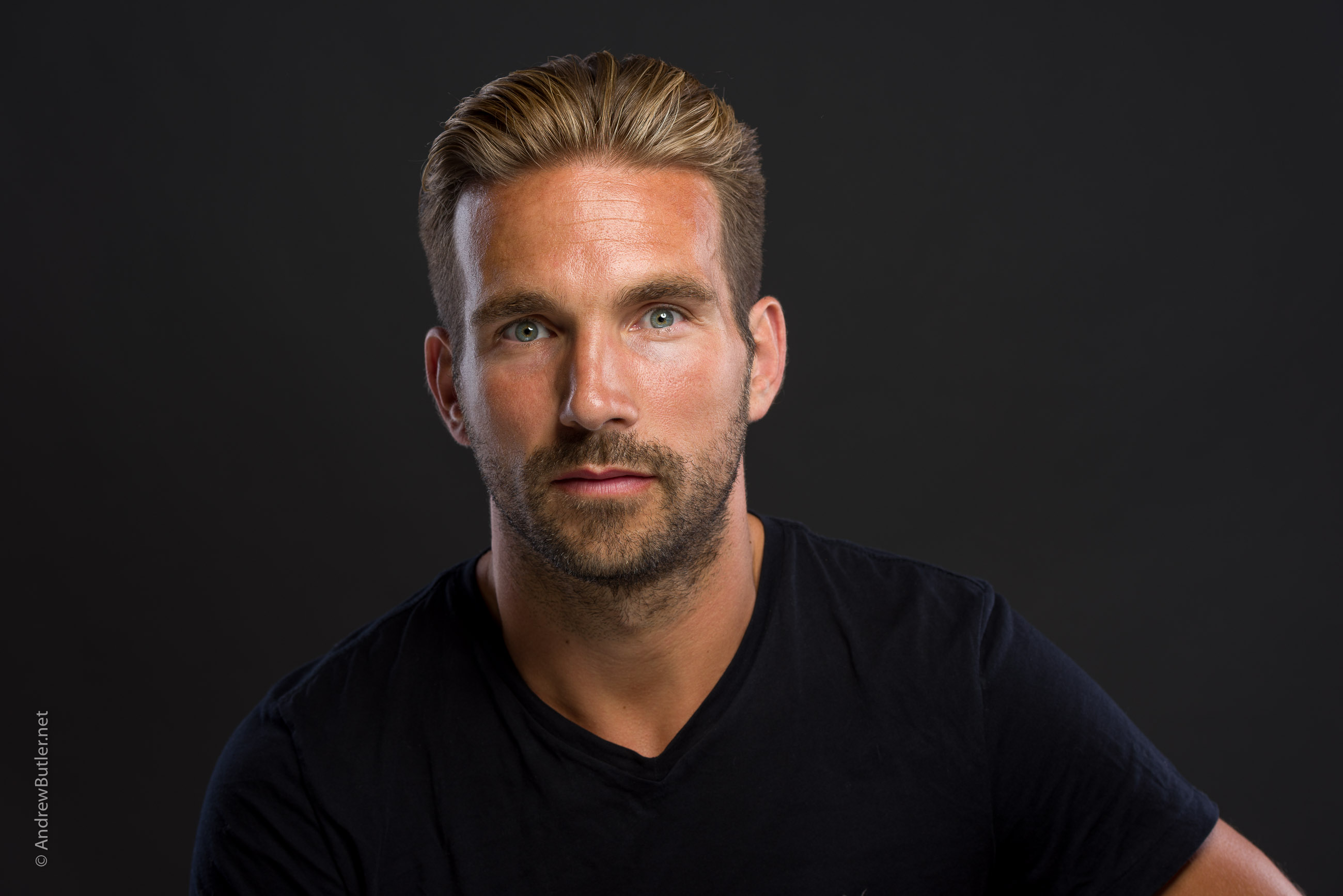 Actor portrait Devon