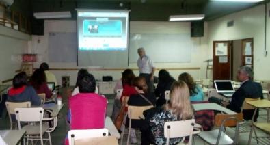 El Ing. Américo Sirvente en el comienzo del curso taller.