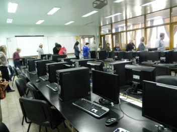 Concursos: tres cargos de auxiliar alumno en Depto. de Informática