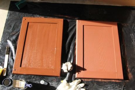 One with decorative glaze and one without