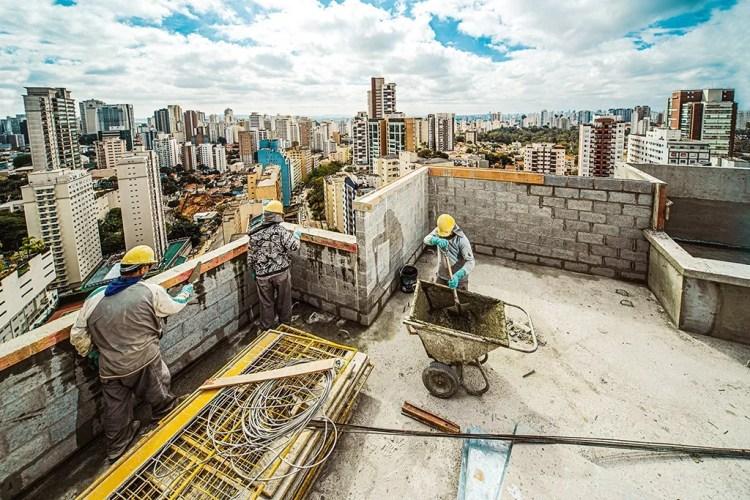 Obra em prédio residencial na Vila Mariana, em São Paulo: o mercado terá recorde de vendas neste ano
