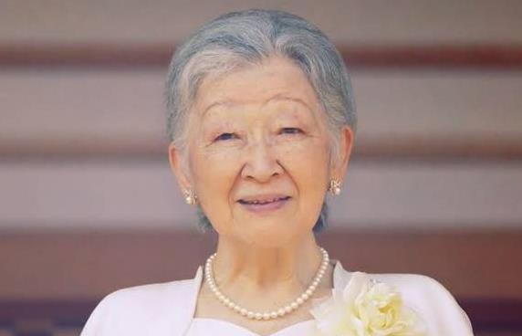 「眞子が小室圭に嫁ぐというのはあり得ない」と美智子さま【週刊新潮】