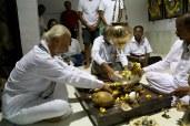 AMAL0344 (Sir offers prayers to the padukas of Sant Gehani Nath, Malinagar Sakhar Karghana, Malinagar, Malshiras, Maharashtra)