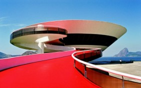 Fuente: http://designyoutrust.com/2012/09/architecture-oscar-niemeyer-a-living-legend/