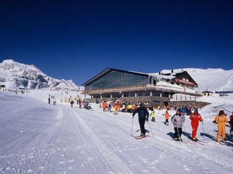 Esquiar en Candanchú Jaca – Hotel + Forfait