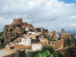 Excursiones desde Castellón a Vilafamés y la Ruta del Turrón