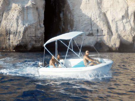 Alquiler de lanchas sin licencia Cala en Porter en Menorca
