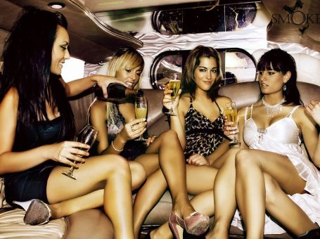 Salida VIP privada por Barcelona en limusina