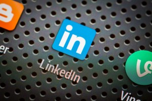 LinkedIn Headline Mistake