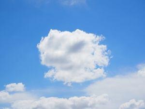clouds-1117607_640