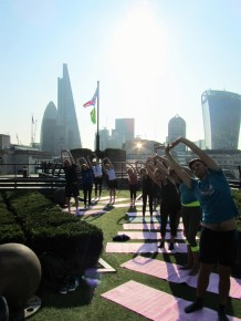 london-sport-staff-enjoying-pilates-with-exercise-in-the-city