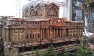 The original Penn Station makes an appearance at the show. A train show wouldn't be complete without it.