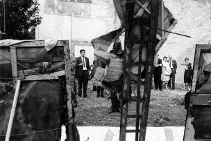 La destrucción, 1963 © Marta Minujín Impasse Ronsin, Paris Courtesy of the artist