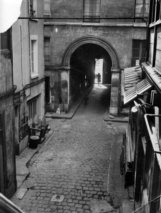 La destrucción, 1963 © Marta Minujín Impasse Ronsin, Paris Courtesy of the artist