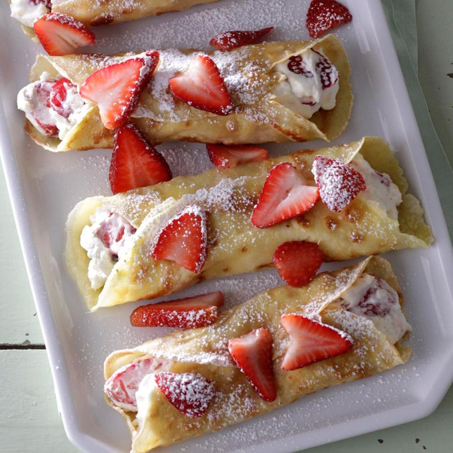 Creamy-Strawberry-Crepes_EXPS_SDJJ18_23316_D02_13_7b-1.jpg