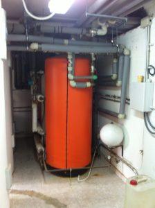 Acumulador de agua caliente sanitaria.