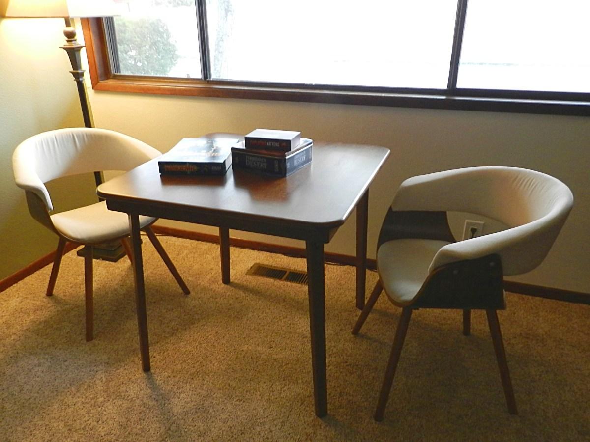 Meco Folding Card Table: The swankiest folding card table
