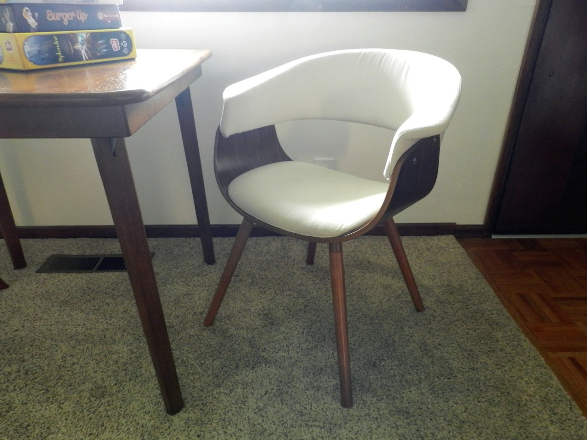 The Lumisource Vintage Mod Chair is a nice place to sit