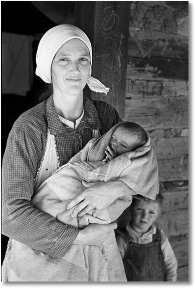 Family living on Natchez Trace Project, near Lexington, Tennessee, June 1936