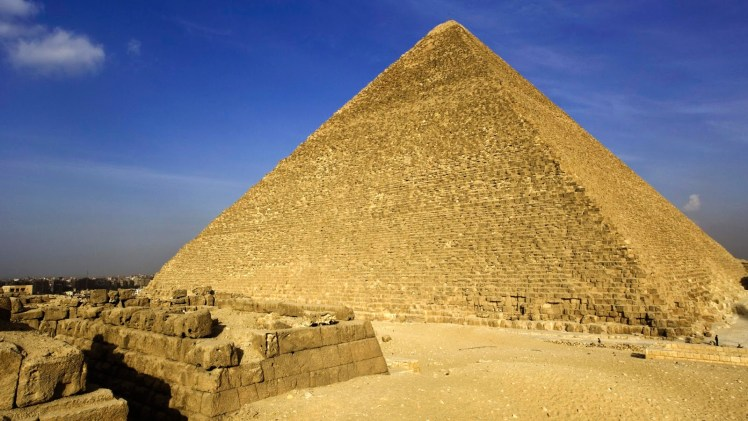 Pyramid_of_Cheops_Giza_Egypt