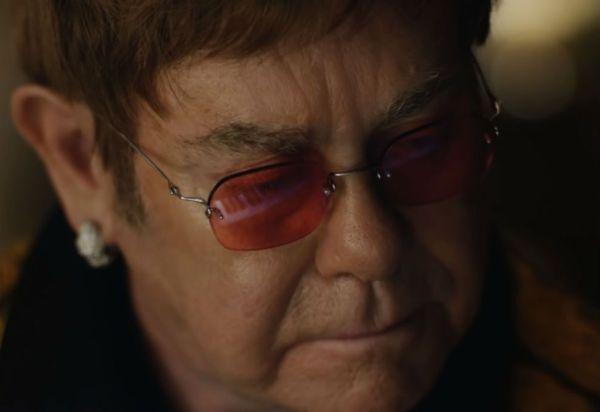La emotiva publicidad que recorre la vida de Elton John