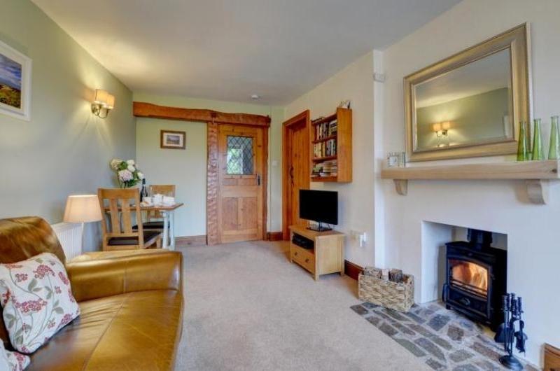 Chauffeurs Cottage - Lounge
