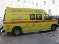 15-mobile-intensive-care-unit-in-our-courtyard