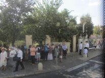 18-many-people-in-the-street-for-sukkot