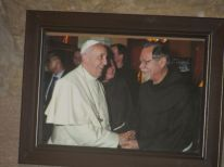19-a-picture-of-lawrence-with-the-pope-in-the-milk-grotto