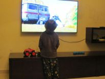 22-hamza-is-watching-tv