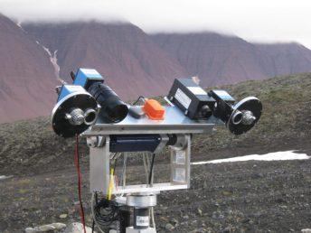 AUPE1 yn Svalbard fel rhan o AMASE yn 2009. Credyd delwedd: Claire Cousins