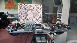 Graddnodi geometrig cynhenid a anghynhenid o systemau camera AUPE