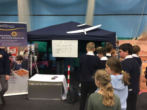 Queues for the Mars VR Experience at the British Science Week 2017